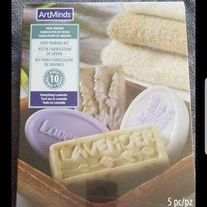 Arts Mind Soap Kit